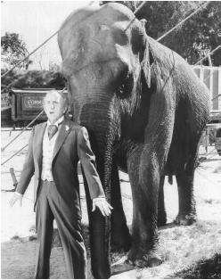 Jimmy Durante with Jumbo in the 1962 film